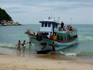 11-kaliash-boarding-inter-island-boat