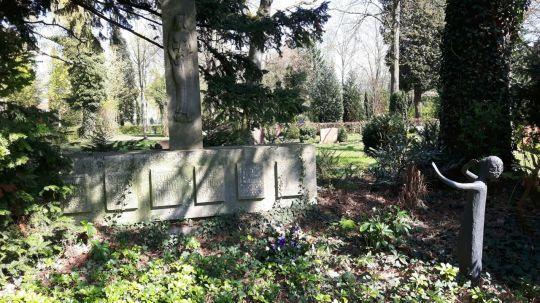 Springe SD Park Cemetery-12