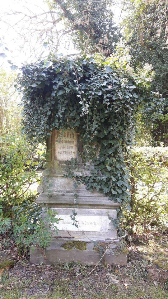Springe SD Park Cemetery-5