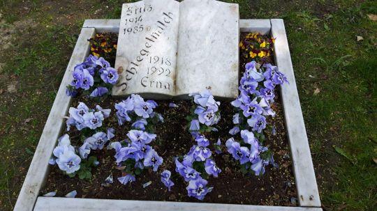 Springe SD Park Cemetery-8